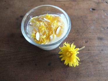 suggestion d'utilisation: napper un laitage, ajouter quelques amandes et saupoudrer de fleurs fraichement cueillies...un régal!